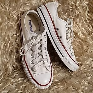 Low top Converse All Stars
